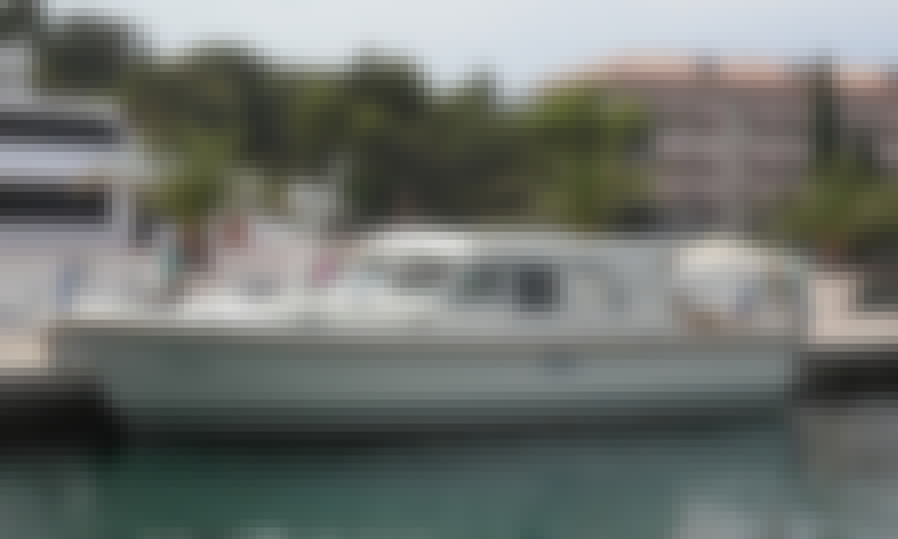 LUXURY DAY TOUR - Motor Yacht with Skipper in Rovinj (Croatia)