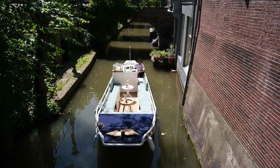 Electric Boat Rental In Utrecht