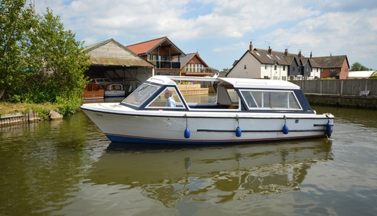 Sheerline Picnic Boat Hire In Hoveton