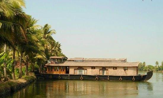 Alleppey Premium House Boat Hire in Ernakulam