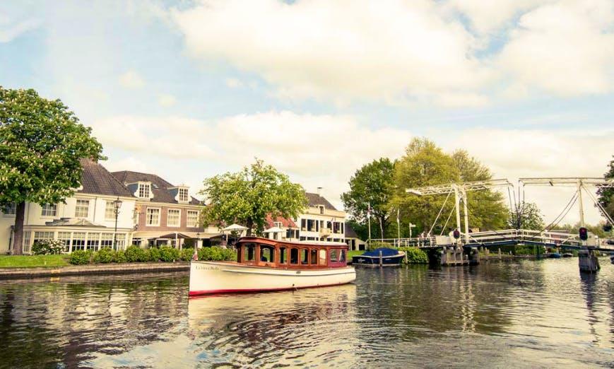 """""""Uw Salonboot"""" Trips in Loosdrecht"""