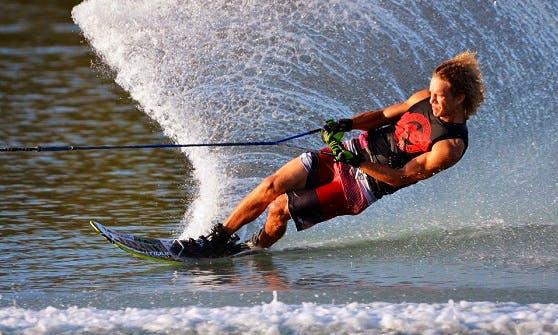 Water Skiing in Rohuneeme