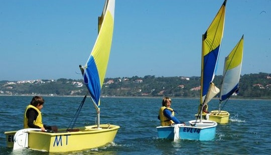 Optmist Sailing Lessons In Óbidos