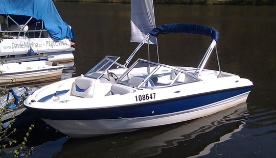 Bayliner 195 Sport Boat Hire In Davle