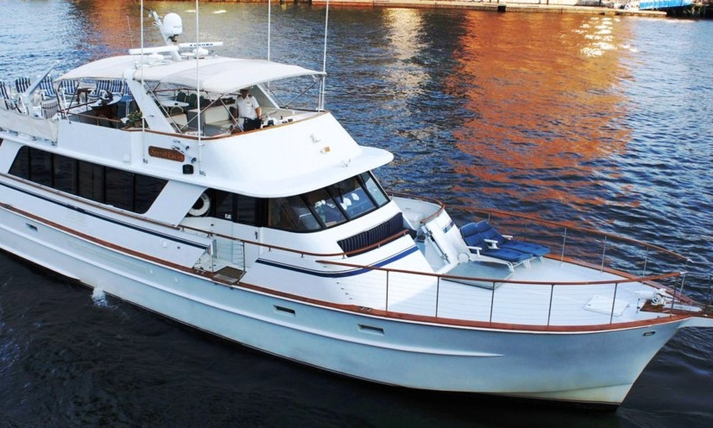 80 39 Motor Yacht Secret Love Up To 65 Guests Getmyboat