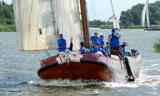 Skûtsje New Care Boat Trips In Earnewald