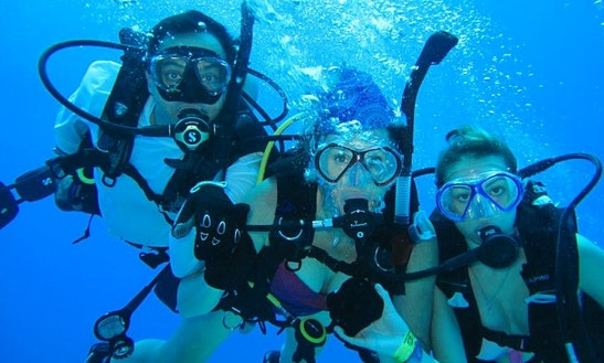 Fun Padi Scuba Lessons And Tours From San Miguel