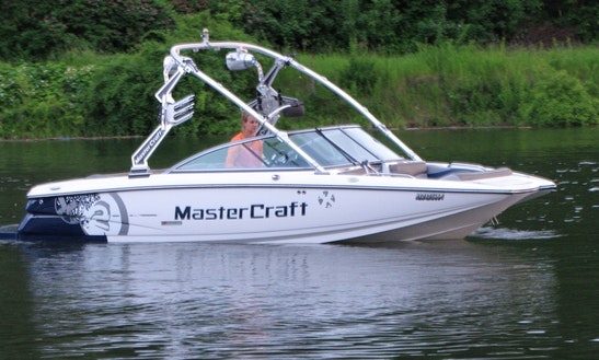 Mastercraft X2 Boat Rental In Sicamous