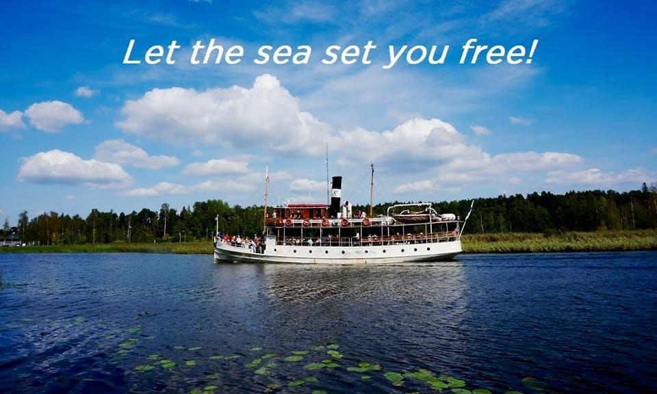 Runeberg Cruising Tour in Porvoo