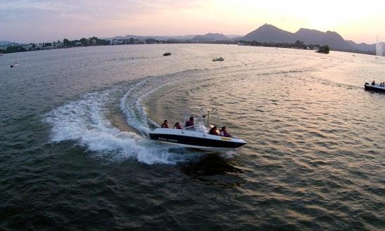 Bayliner 175 Boat Trips In Udaipur