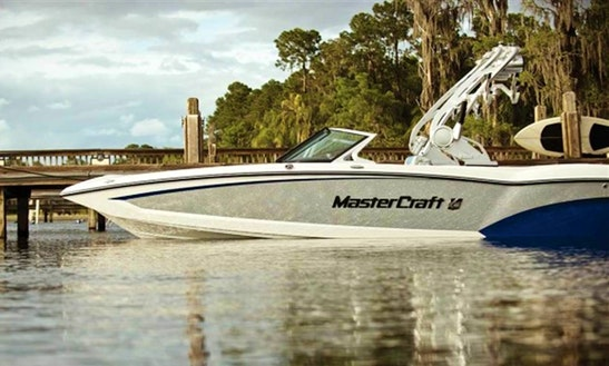Mastercraft X30 Boat Rental In Sicamous