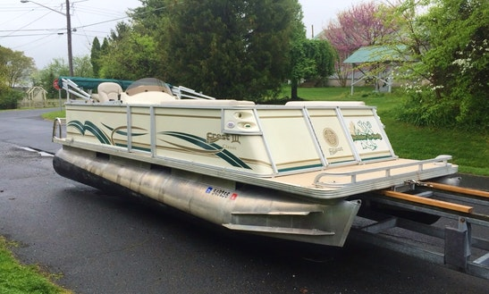 22' Crest Iii Xrs Pontoon Rental In Little Egg Harbor Township,  New Jersey United States