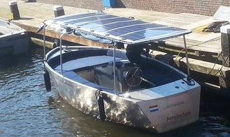 Radius 12 persons: Cruise the Canals of Amsterdam