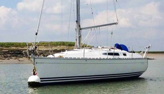 Jeanneau Sun Odyssey 29.2 Cruising Monohull Charter In Poros Island