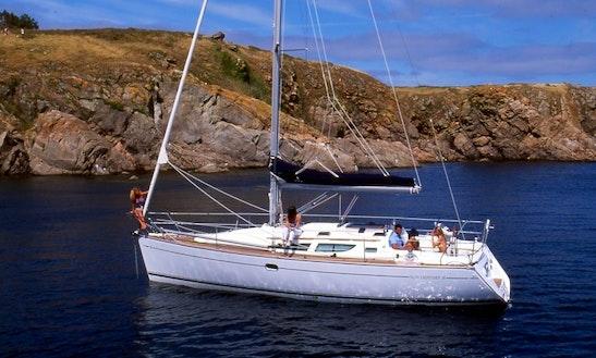 Jeanneau Sun Odyssey 35 Cruising Monohull Charter In Poros Island