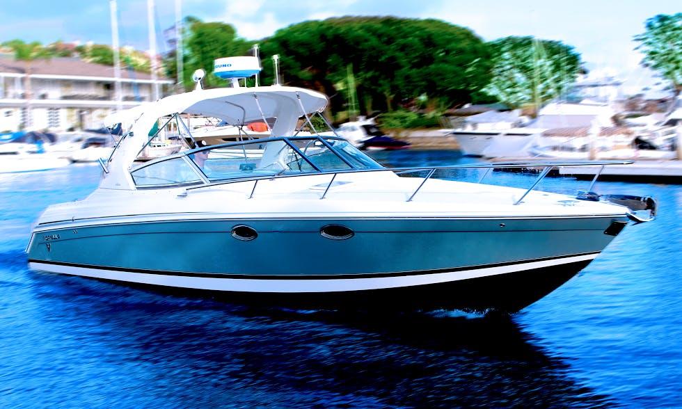 Charter 33' Formula 330SS Motor Yacht in Newport Beach, California