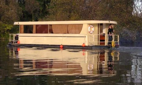 Houseboat Supra Rental In Slatiňany