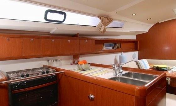 Charter the Beneteau 37 \