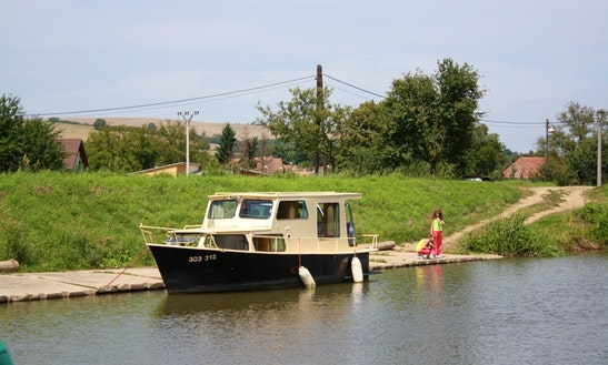 Houseboat Triton Rental In Slatiňany