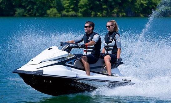 Enjoy 11 Ft Yamaha Waverunner Jet Ski For Rent In Pompano Beach, Florida