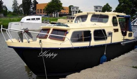 Houseboat Happy Rental In Slatiňany, Czech Republic