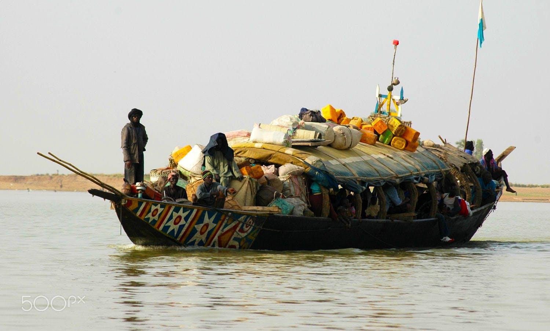 Bowrider rental in Timbuktu