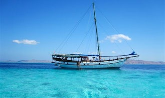 Diving and Snorkeling Komodo Liveaboard Trip aboard Traditional Indonesian Boat