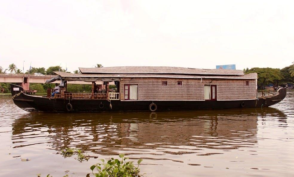 Houseboat Day Tour in Alappuzha, India