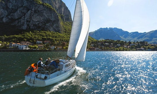 Charter 31ft Sailing 'sbandata' Sloop In Malgrate, Italy