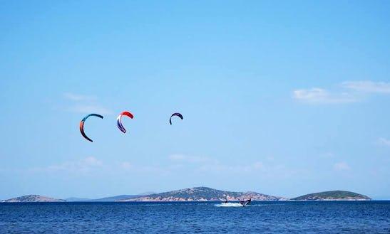 Kiteboarding Lessons In Akçapınar Köyü, Turkey