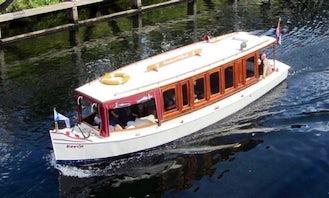 """Cruising """"Salonboot Koosje"""" in Heusden, Netherlands"""