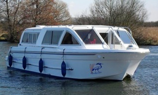'tourqoise' Motor Yacht Rental In Horning