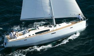 Charter Oceanis 46 Cruising Monohull in Procida, Italy