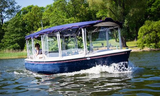 Electric Boat Rental In Stockholm