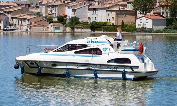 """4 Seater ""Leboat Caprice""  Motor Cruiser in Scotland"