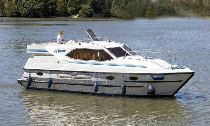 """LeBoat Countess"" Motor Cruiser in Scotland"