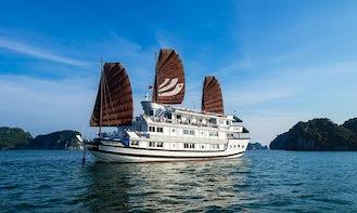 Halong Bhaya Cruise in Hanoi