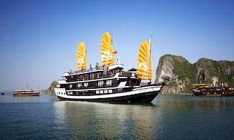 Paradise Luxury Cruise in Hanoi