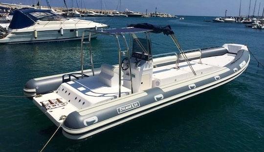 33' Inflatable Boat Rental In Castrignano Del Capo