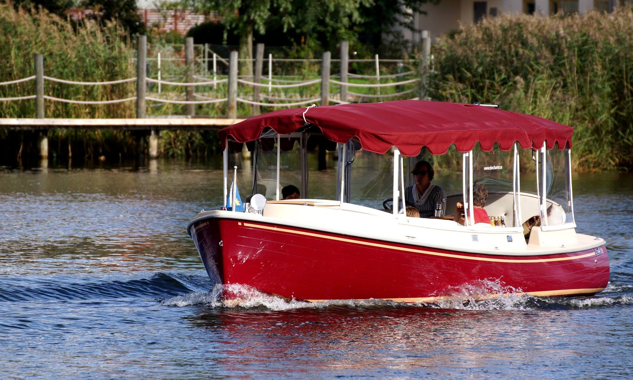 Electric Duffy 22 Water-Limo Rental in Stockholm