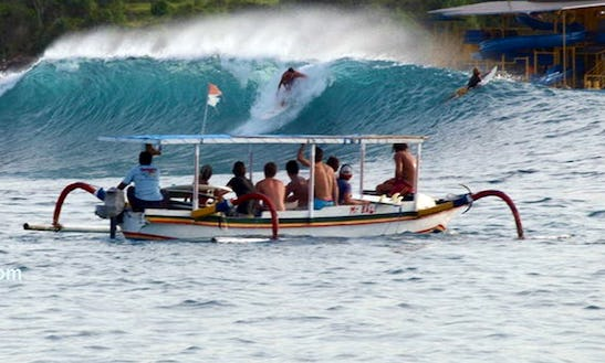 Rent A Traditional Surfer Boat In Nusapenida
