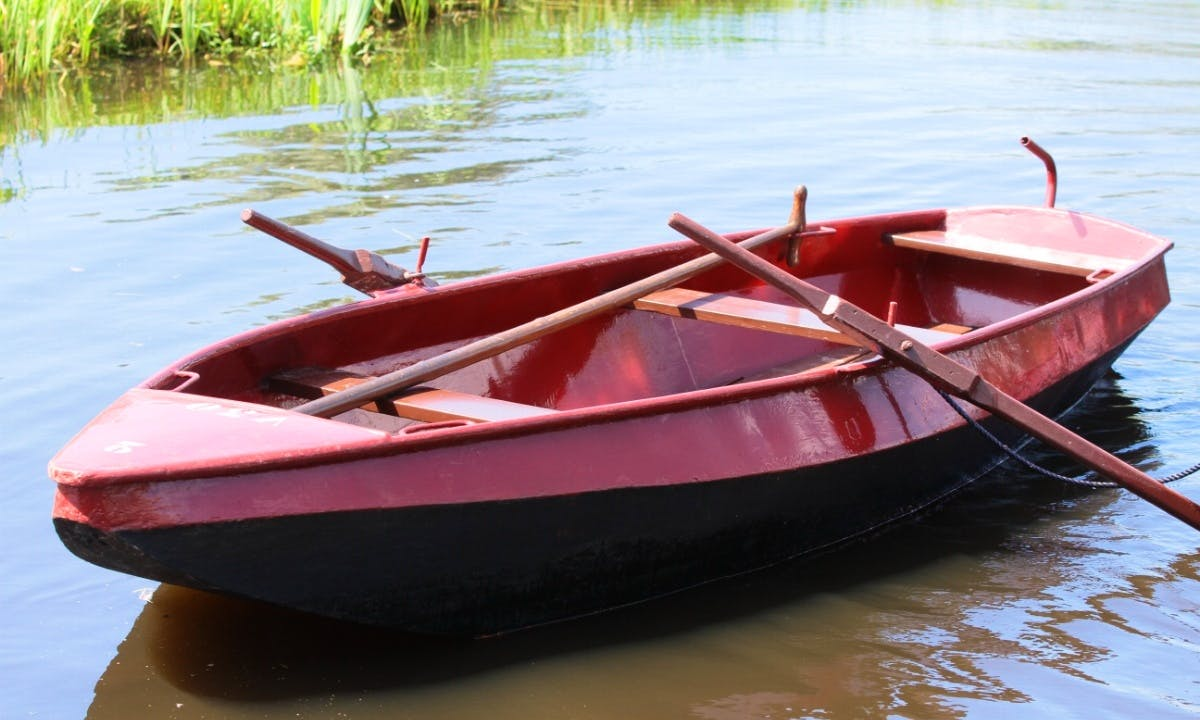 Rent a Rowing Boat and Explore Giethoorn, Netherlands