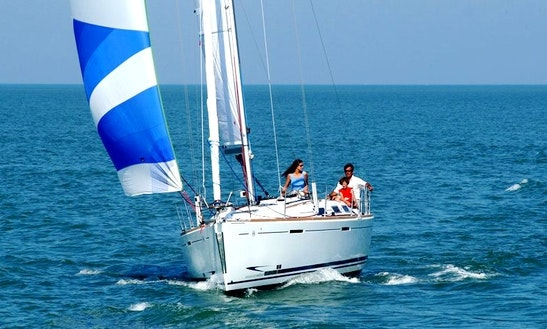 Dufour 365 Cruising Monohull Charter In Hamble-le-rice
