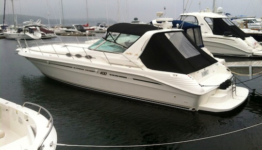 Charter 45' Sea Ray 400 Express Motor Yacht In Sister Bay, Wisconsin