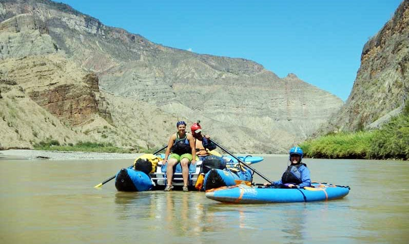 Whitewater River Canyons Expedition in Marañon and Neuquén