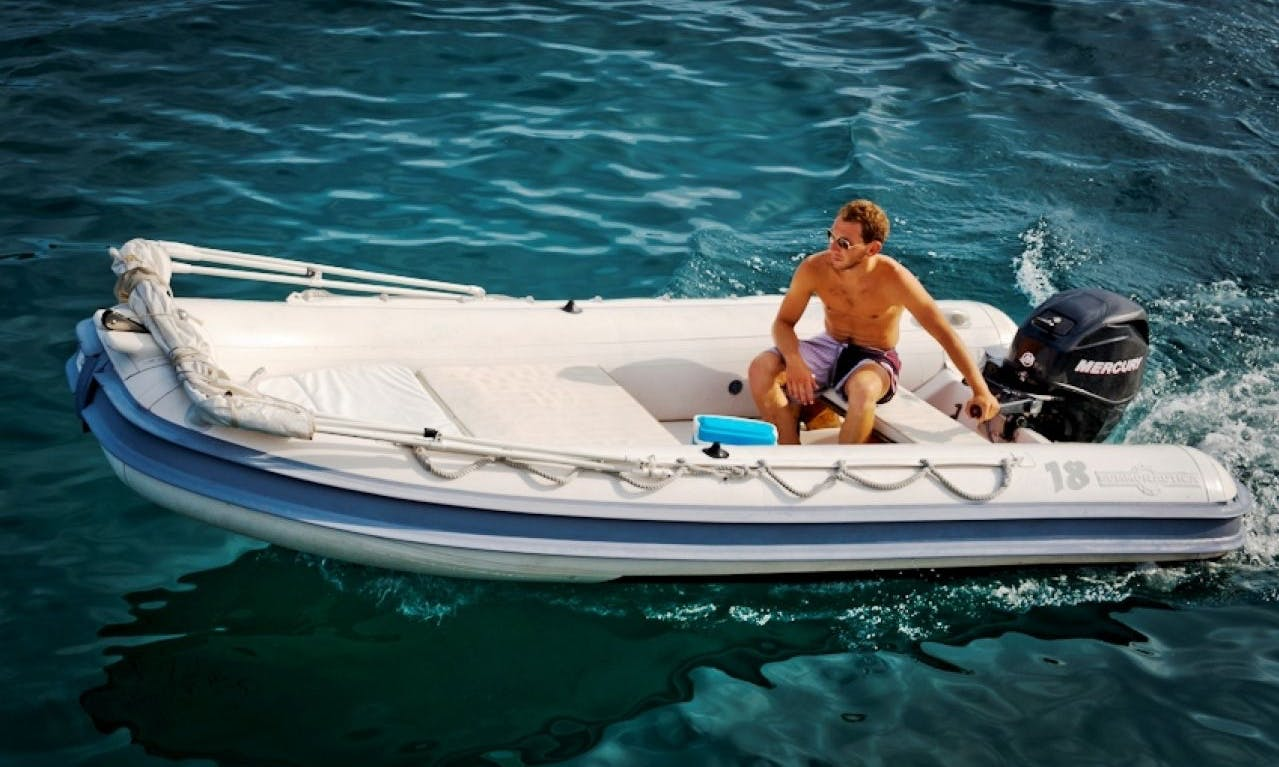 Gommonautica G43 15B RIB Rental in Ponza only for expert drivers