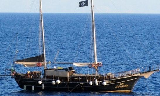 Sailing Charter On 66ft