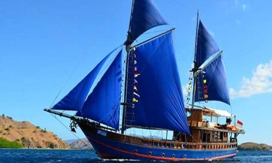 Moana Cruising Gulet Charter And Scuba Diving In Pulo Gadung, Indonesia