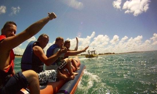 Lancha Com Banana Boat -  Praia Do Forte / Ba