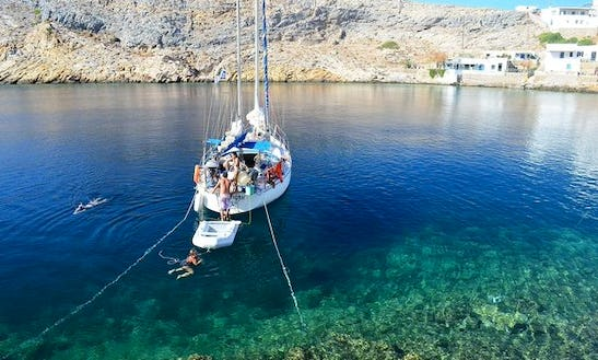 Charter This Jeanneau 38 Out Of Iraklio Greece For €550 A Day